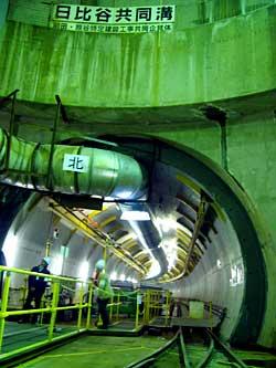 シールドトンネルに入る