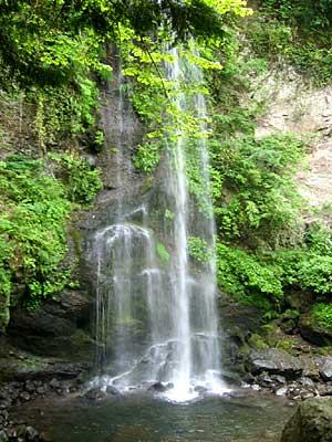 美しい滝です